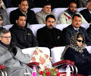 People's Democratic Party (PDP) president Mehbooba Mufti and National Conference (NC) leader Omar Abdullah. (Photo: IANS)