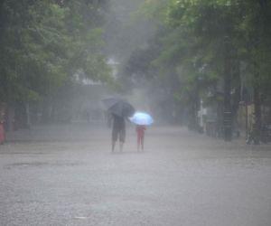 Heavy rain lash Mumbai