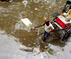 Heavy rains in Kolkata