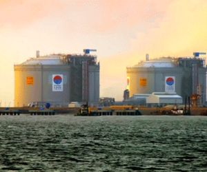 Attractive LNG prices to boost India's plan on gas-based economy