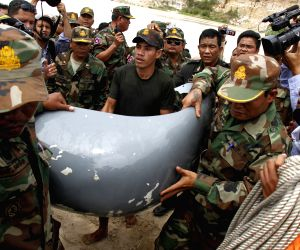 Phnom Penh: Crashed military helicopter