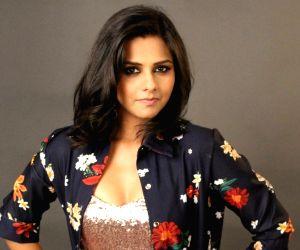 Would love to see Rahul Vaidya and Pavitra Punia's hook-up, says Bigg Boss 13 contestant Dalljiet Kaur