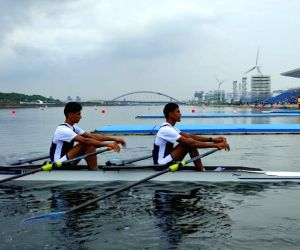Rowers win Olympic quota place in lightweight double scull