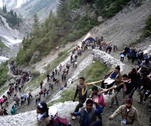 1,753 pilgrims leave for Amarnath