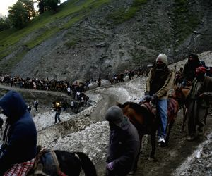 1,561 pilgrims leave for Amarnath Yatra