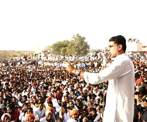 Pilot camp plans farmers rally in western Raj while Gehlot fights phone tapping charge