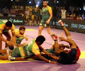 Pro Kabaddi League - Patna Pirates vs Puneri Paltan