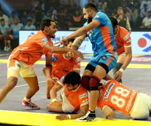 Pro Kabaddi League 2016 - Puneri Paltan vs Bengal Warriors