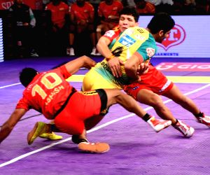 Pro Kabaddi League 2016 - Bengaluru Bulls vs Patna Pirates