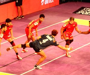 Pro Kabaddi League 2016 - Bengal Warriors vs Bengaluru Bulls