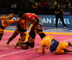 Pro Kabaddi League 2017 - Tamil Thalaivas vs Jaipur Pink Panthers