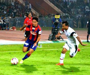ISL - Delhi Dynamos FC vs NorthEast United FC