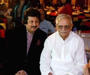 Gulzar, Pankaj Udhas during the launch of a music album