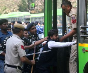 Police thwarts SSC aspirants' demonstration