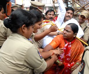 Police thwarts the demonstration of CPI activists agitating to press for their various demands, in Hyderabad on Aug 13, 2018.