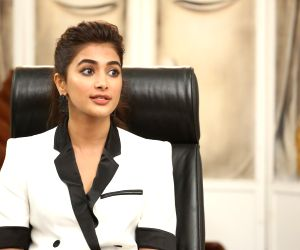 Pooja Hegde to star with Salman Khan in 'Kabhi Eid Kabhi Diwali'