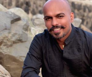 Disparity exists in Bollywood: 'Malhari' lyricist ()
