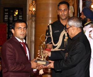 President Mukherjee confers Arjuna awards
