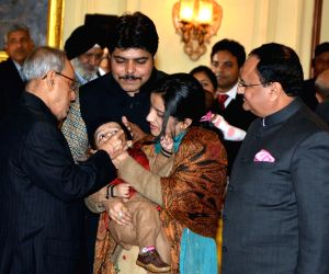 President Mukherjee launchs the Nationwide Polio Programme
