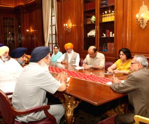 Pranab Mukherjee meeting with Parkash Singh Badal