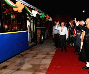 President Mukherjee flagg off the Ho Ho bus