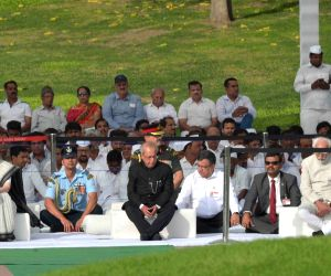 President Mukherjee pays tribute to Nehru
