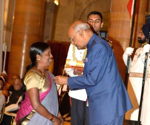 Civil Investiture Ceremony - Padma Shri - Sitavva Dundappa Jodatti
