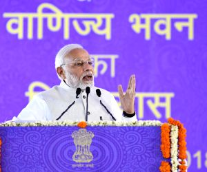 India should double its global exports share: Modi