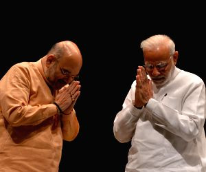 Modi, Shah lead host of leaders in paying homage to Vajpayee
