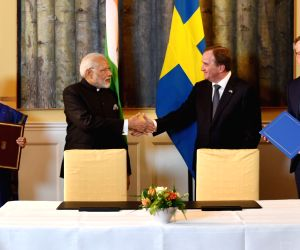Modi, Swedish PM at the signing of Joint Innovation Partnership