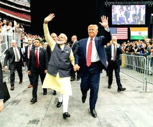 """Free Photo:   2019 in Review: Trump, Modi at """"Howdy"""" event symbolised growing US-India ties"""