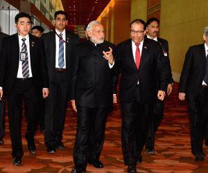 Modi arrives at the India-Singapore Economic Convention