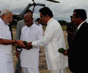 Modi arrives in Anuradhapura