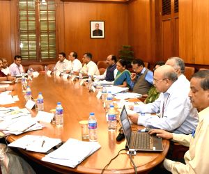 Modi chairs meeting on drought and water scarcity with Gujarat CM