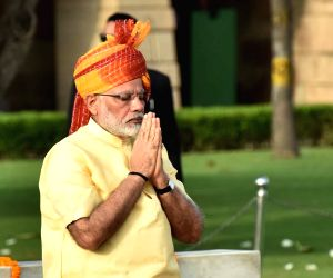 Modi praises nation's 'daughters' for crossing 7 seas