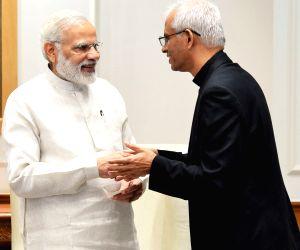 PM Modi meets Father Tom Uzhunnalil