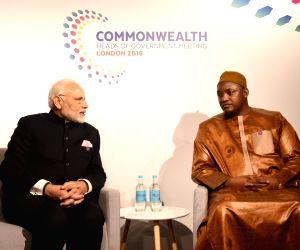 CHOGM 2018 sidelines - Modi, Adama Barrow