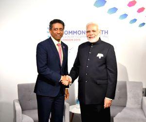 CHOGM 2018 sidelines - Modi, Danny Faure