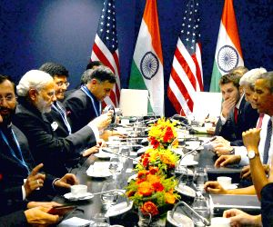 Paris (France): COP21 Summit - sidelines - PM Modi, USA President Barack Obama