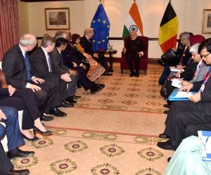 Brussels (Belgium): Modi meets the select members of European and Belgian Parliaments