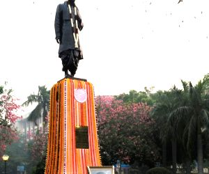 PM Modi pays floral tribute to Sardar Patel on his birth anniversary