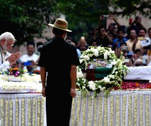 Modi pays homage to former PM Vajpayee