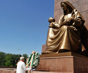 PM Modi pays tribute at National Monument of Independence and Humanism