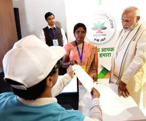 Prime Minister Narendra Modi visits an exhibition on Ayushman Bharat, in Ranchi on Sept 23, 2018.