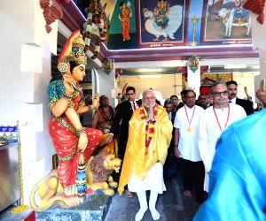 Modi visits Sri Mariamman Temple