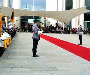 Ceremonial receptionfor Modi at German Chancellery