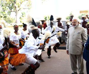 Kampala (Uganda): PM Modi accorded Ceremonial Reception