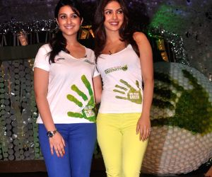 Priyanka Chopra and Parineeti Chopra to dub for 'Frozen 2' Hindi version