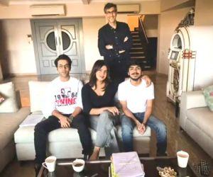 Priyanka posts pics of 'The White Tiger' table read