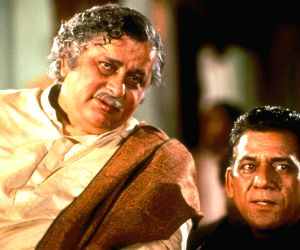 Prominent people who died in 2017: Indian actors Shashi Kapoor and Om Puri